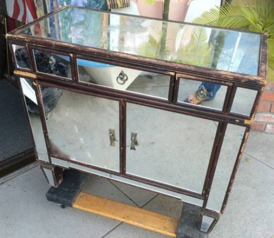 Vintage Decorative Mirrored Three Drawer Cabinet sideboard - $275 (Burbank)