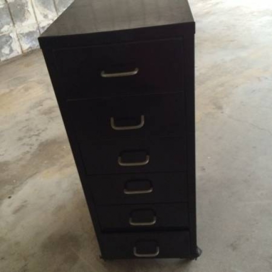 METAL STORAGE CABINET WITH WHEELS - GREAT FOR CRAFTS