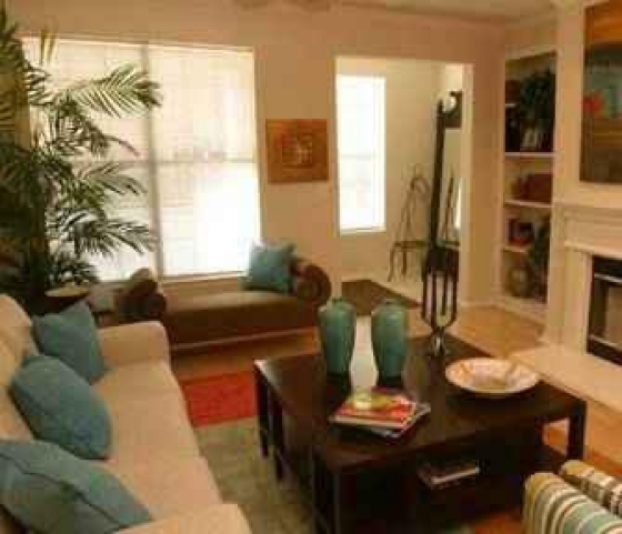 $800, 3br, ??Additionally our Contemporary one, 3 bedroom, 2 bathroom??