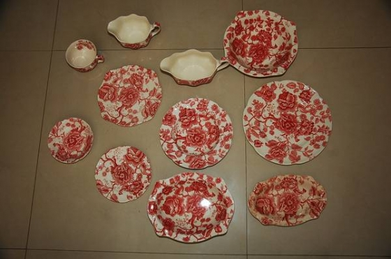 52 pieces English Chippendale China dishes