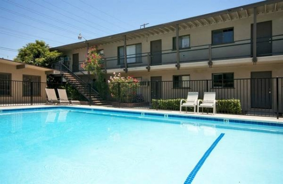 Beautiful 1 Bedroom in Prime Downey+Pool+MUST SEE!!+A.C.