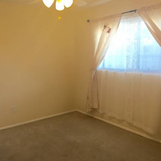 Room for rent, close to CSUN