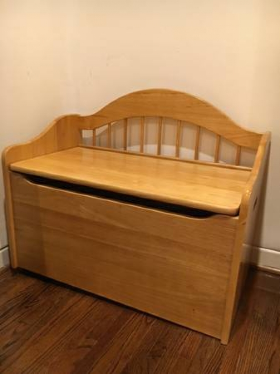 FOR SALE - KidKraft Toy Chest