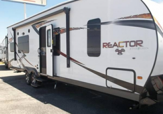 NEW 2016 REACTOR 29FS BELOW DEALER!! $29,995!!