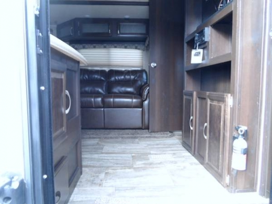 2016 28DBSSPuma Travel Trailer BH