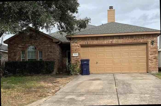 it beautiful single family house for rent now and immediate move in ASAP